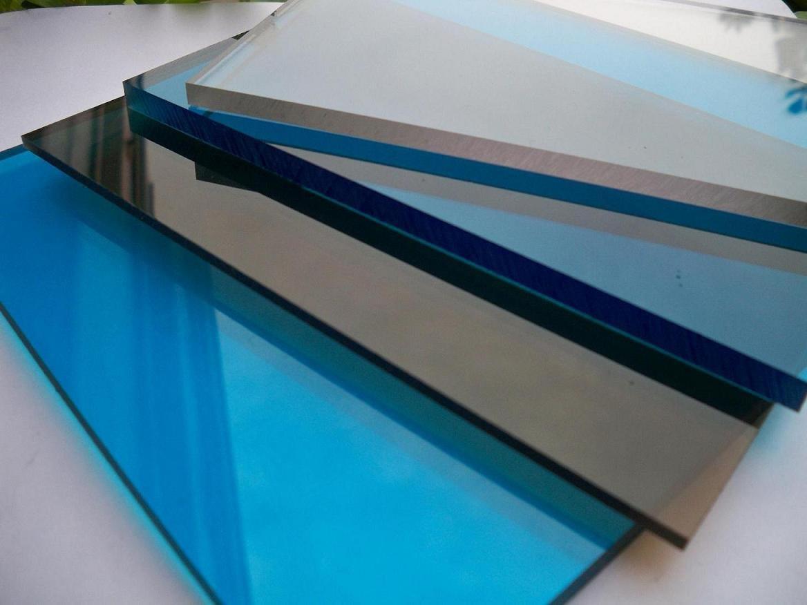 Поликарбонатное стекло