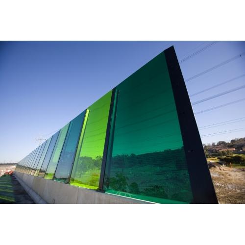 Забор из монолитного поликарбоната